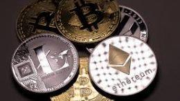 Рынок криптовалют со вчерашнего дня потерял более 8 миллиардов долларов